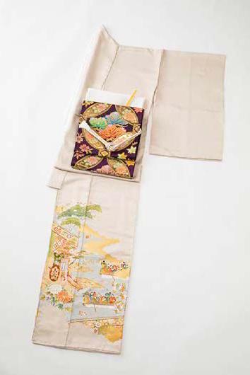 色留袖:染の百趣 矢野 袋帯:北尾