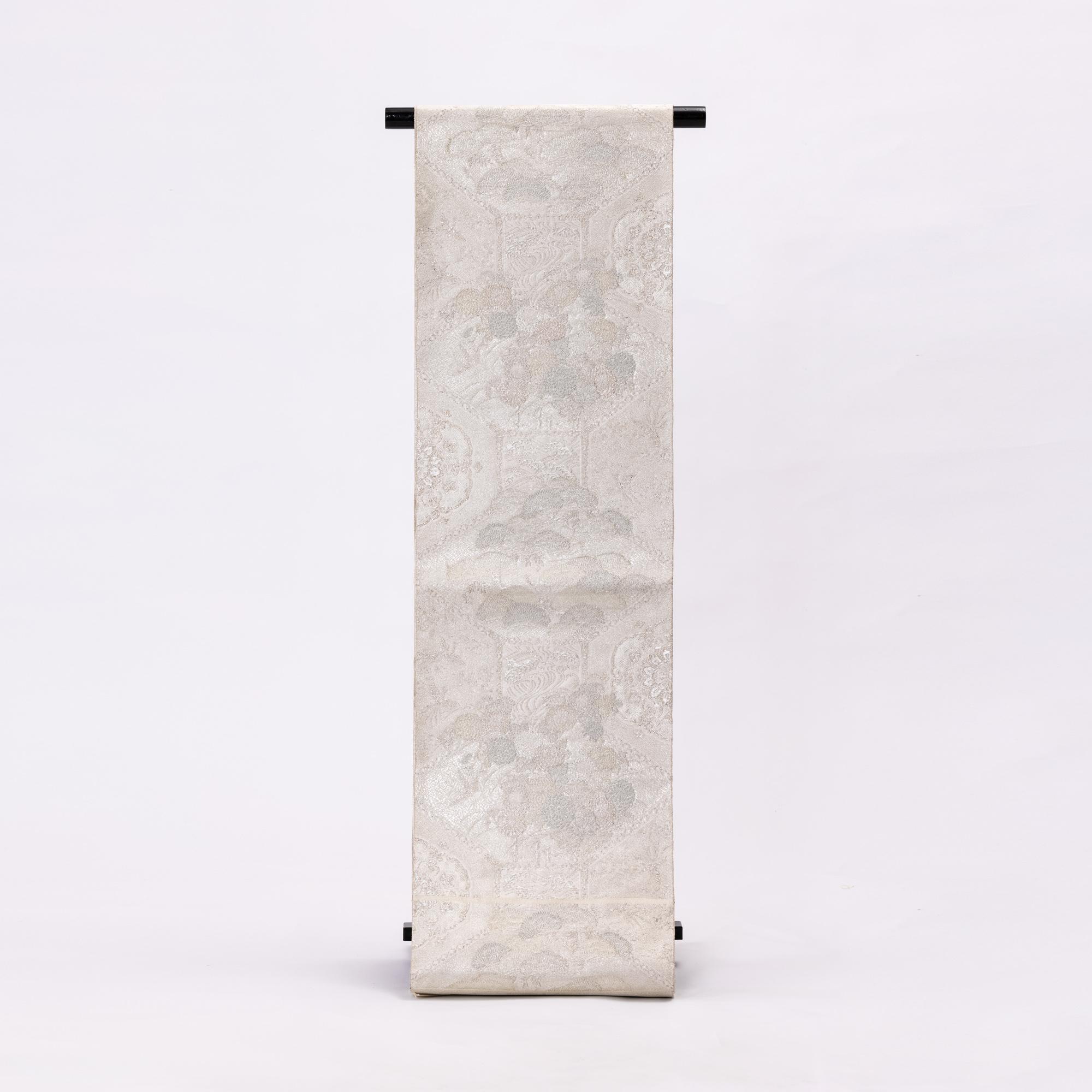 京都西陣【川上織物】手織佐賀錦袋帯「蒔絵松菊文」サビ銀白色